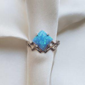 173 — Серебряное кольцо с опалом